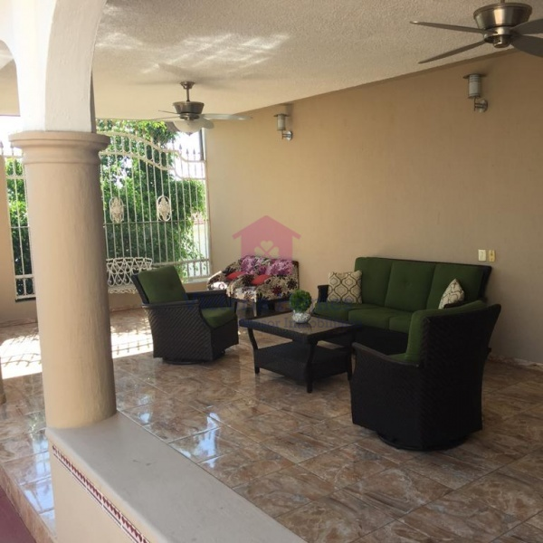 Fraccionamiento Bugambilias, Jalisco Av Reno Poniente, 4 Habitaciones Habitaciones, ,3 BathroomsBathrooms,Casas,En venta,2,1046